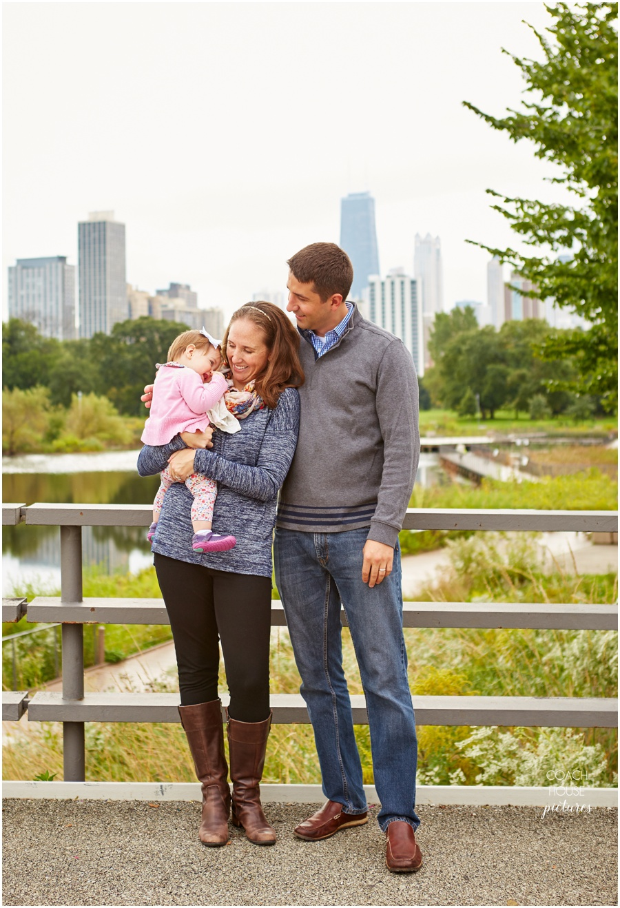 Chicago Family photographer, Coach House Pictures, Lincoln Park, South Pond, Chicago Family session, Chicago photographer, Lincoln Park family